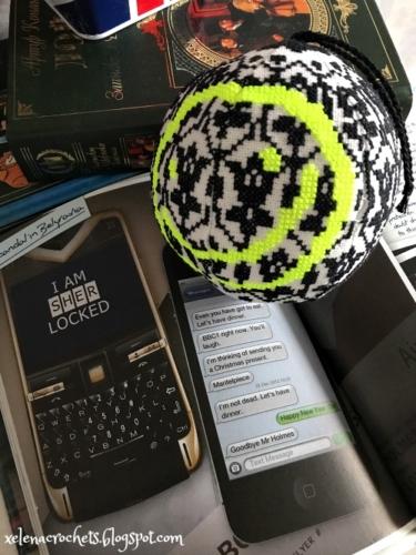Ёлочный шар по мотивам сериала «Шерлок» - вышитая ёлочная игрушка по схеме Ольги Петренко